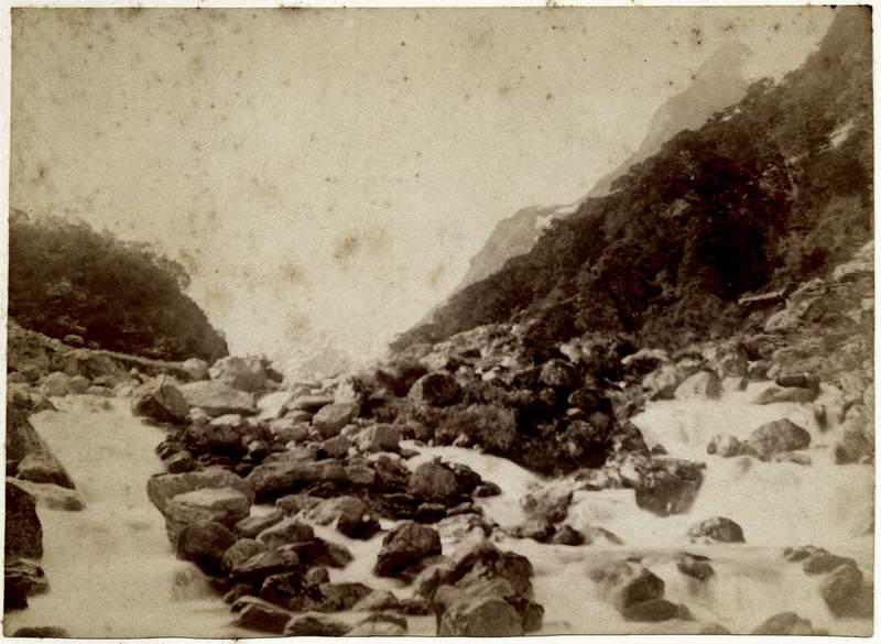 Head of the Lake Scenery (6)