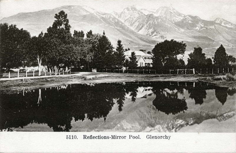 Mt. Earnslaw Hotel & Mirror Pool