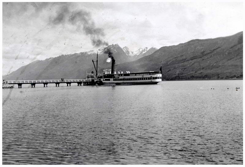 Earnslaw at Glenorchy Jetty