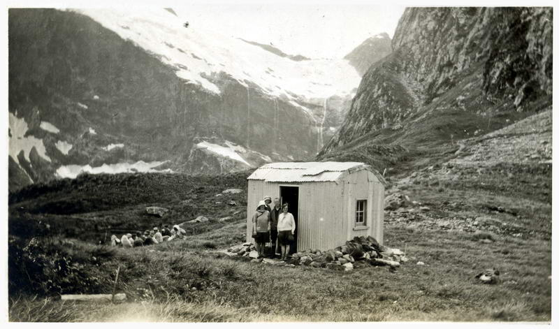 McKinnon Pass Lunch Hut