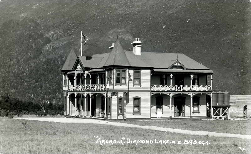FGR 893, Arcadia, Diamond Lake