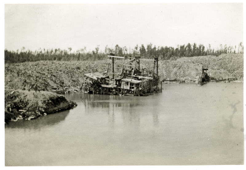 Unknown Dredge
